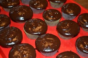 Cupcakes choc ganache Sept 2014 (3)