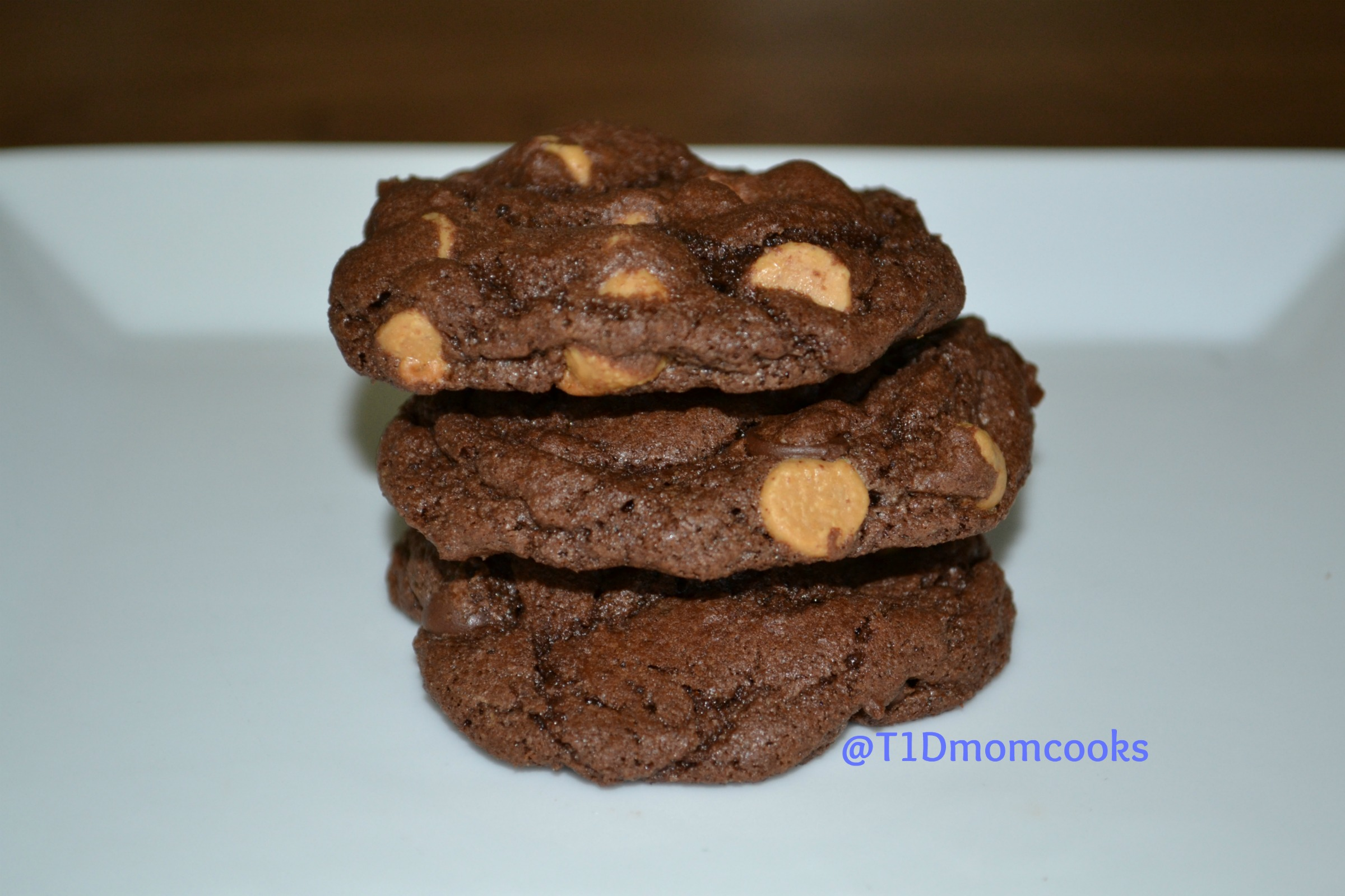 Double chocolate peaut butter cookies by Barb Szyszkiewicz for cookandcount.wordpress.com