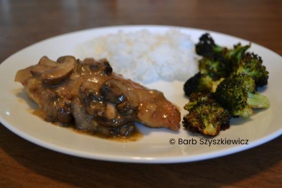 Chicken with Mushroom Sauce by Barb Szyszkiewicz (CookandCount.wordpress.com)