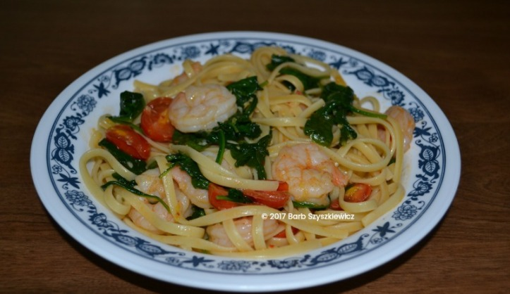 shrimp with garlic tomato spinach over pasta (3c)